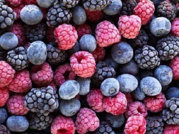 Замороженные ягоды - зимняя радость.