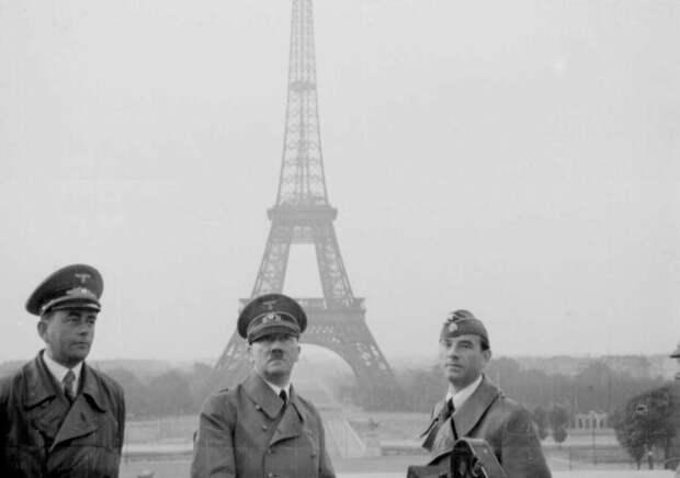 Гитлер в капитулировавшем Париже. Фото из открытых источников