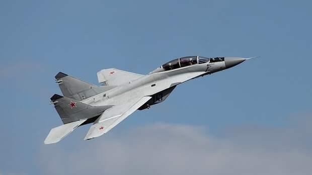 Редактор NI сравнил российский Миг-29 с F/A-18 ВМС США