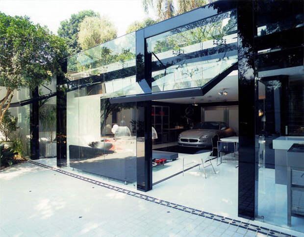 Суперсовременный гараж