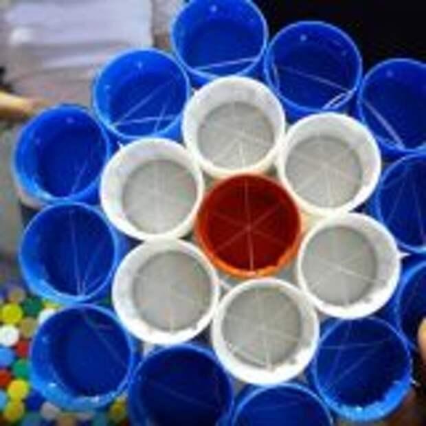 Идеи для поделок из крышек от бутылок