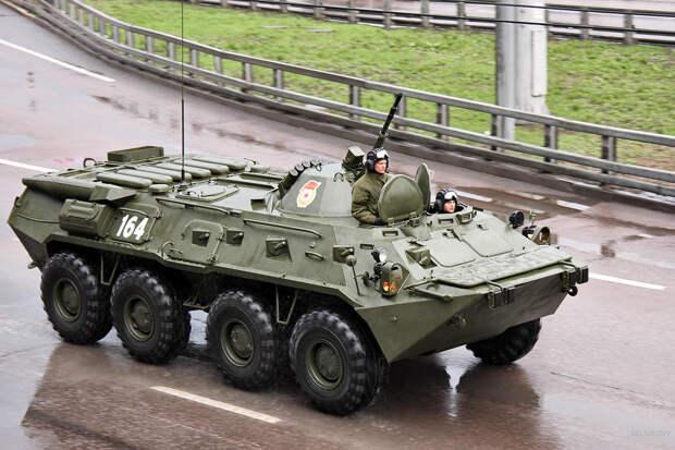 В центр Минска въехали вездеходы с пулемётами