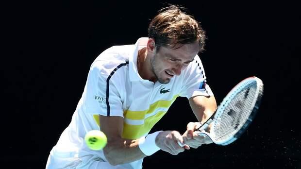 Медведев одержал 18-ю победу подряд и впервые вышел в 1/4 финала Australian Open