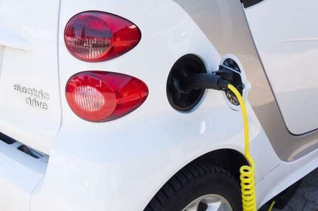 В РФ с 2024 года будут производить электромобили для маломобильных групп