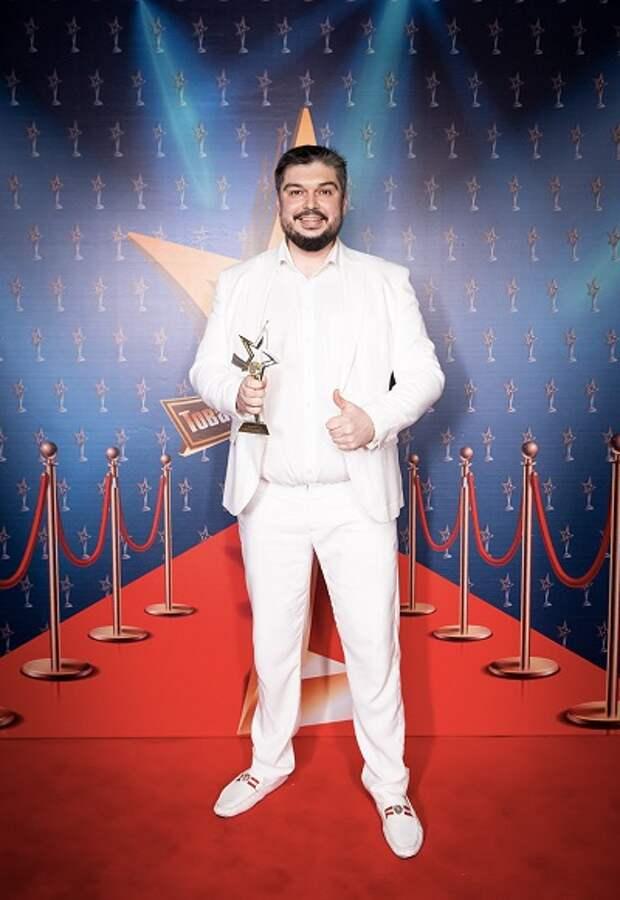 Экзомассаж Олега Шадского стал обладателем премии - Товар года 2019 за Уникальную технологию физиотерапии