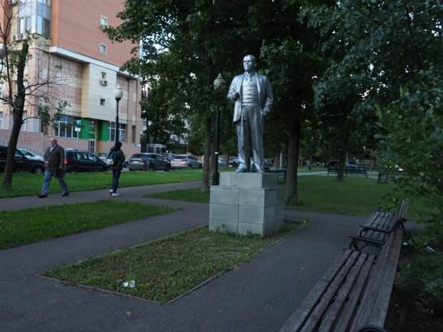 Три необычных памятника на севере Москвы