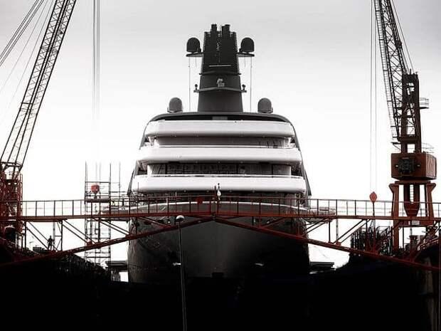 Абрамовичу строят новую 145-метровую яхту