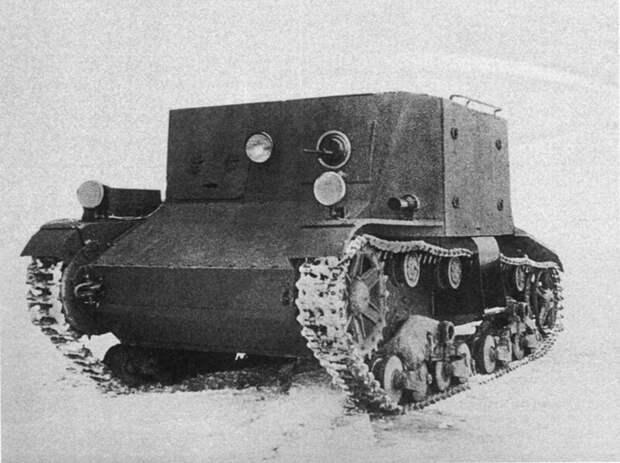 На фото – более продвинутый вариант транспортера ТР-4. Под бортовыми дверями для входа-выхода пехоты специальные подножки, а сверху – поручни. 1934 год. военная техника, военное, история, много букв, танки, танки СССР, техника, факты