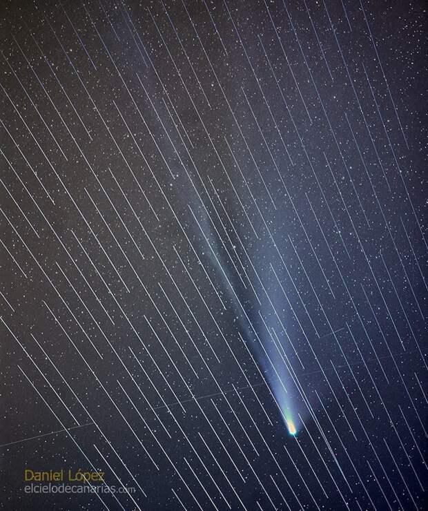 Космический паровозик Маска бомбит снимки звёздного неба