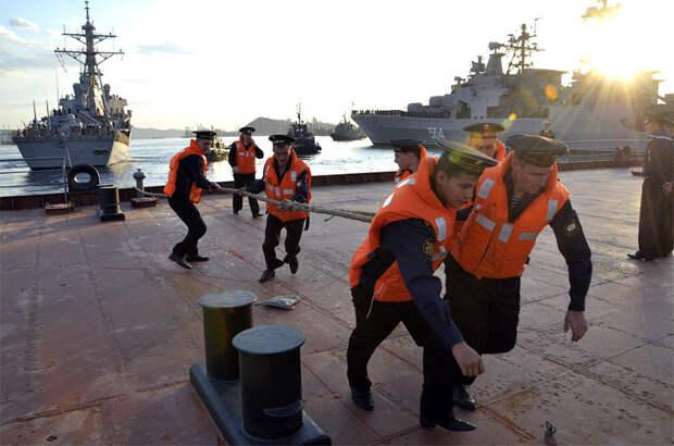 В порт Владивостока прибыл эсминец ВМФ США «Фитцджеральд»