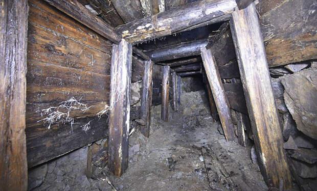 Казармы в подземном городе. Остров Матуа начали изучать только через 70 лет после Второй мировой