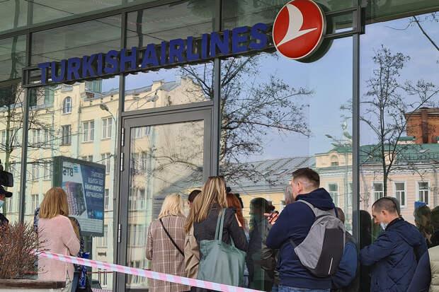 Россия возобновит авиасообщение с Турцией не раньше 15 июня