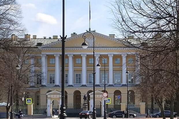 Суд в СПб принял иск об отмене переименования улицы