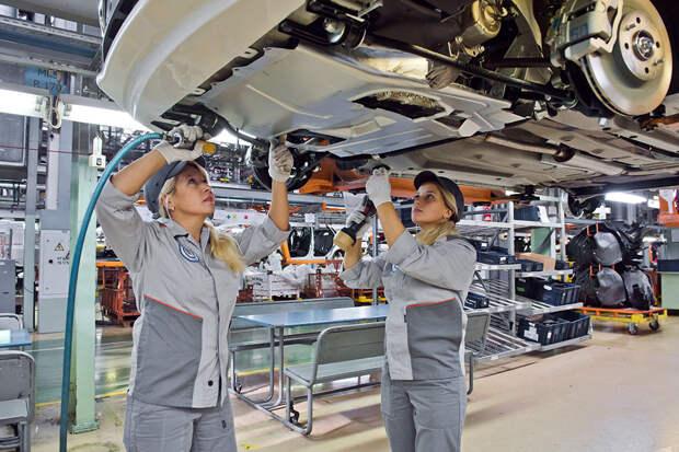 АвтоВАЗ приступил к выпуску автомобилей Lada и Renault