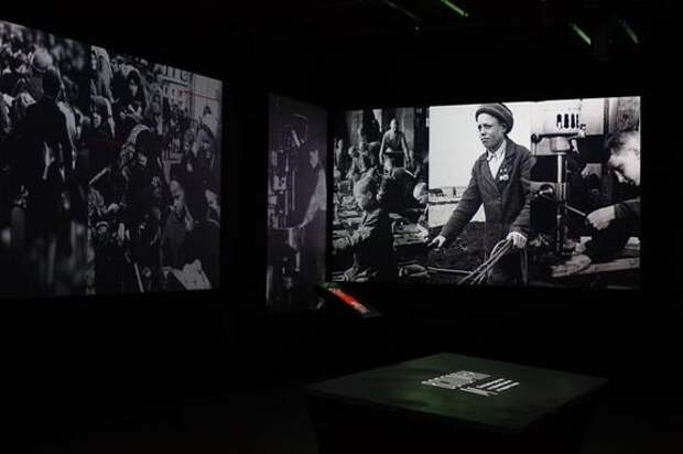 В Челябинске открылась выставка о войне «Вспомним»