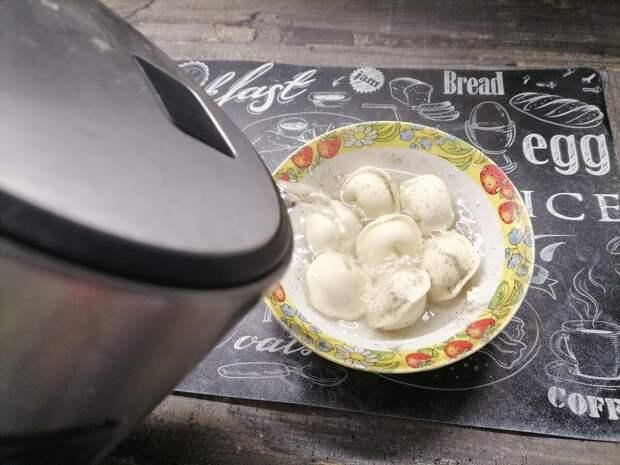Интересный ваиант приготовления пельменей. Без воды и кастрюли. В собственном соку за 5 минут