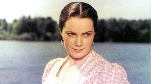Умерла Элина Быстрицкая. Ей был 91 год