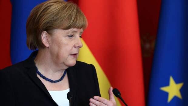 В Киеве заволновались из-за трудоустройства Меркель в РФ