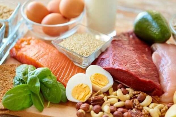 Съешь рыбу, закуси мясом. Почему без протеинов нет здорового питания