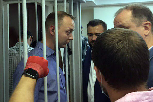 Мосгорсуд оставил Сафронова под арестом до декабря