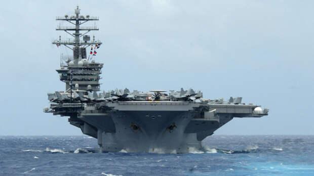 """""""Станет идеальной мишенью"""": в США придумали, как поступить с авианосцем USS Nimitz"""