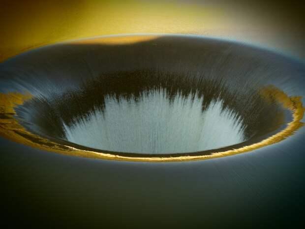 В Симферополе миллионы кубометров воды утекают в землю