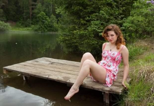 Девушки в деревне на речке (34 фото) - красивые картинки