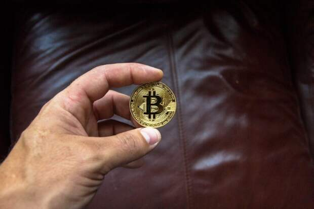 В США парень потерял $360 млн в биткоинах из-за того, что мама выбросила ноутбук с ключами от кошелька