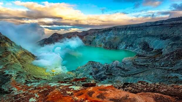 7 офигенных фото вулкана Кава Иджен с голубой лавой