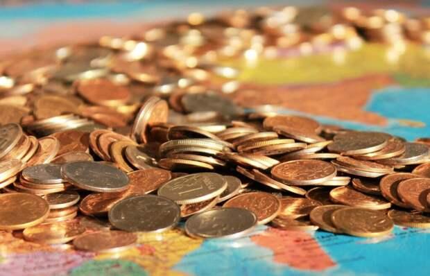 Эксперт назвал условия падения рубля ниже исторического минимума
