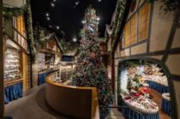 Самый известный магазин рождественских украшений в мире открылся в Барселоне