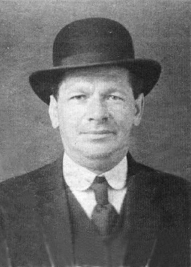 И. М. Харитонов.