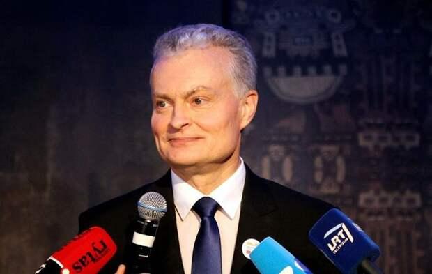 Президент Литвы объявил Путину молчанку из-за общей границы с Россией