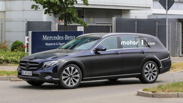Кросс-«ешка»: новый паркетный Mercedes-Benz засветился перед премьерой