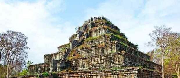 Загадочная пирамида Кох Кер