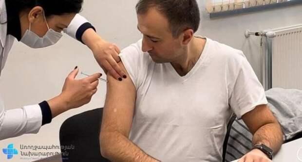 Около 300 человек вГрузии подхватили Covid-19 после первой прививки