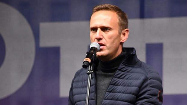 Осташко объяснил текучку кадров и денежные проблемы штабов Навального
