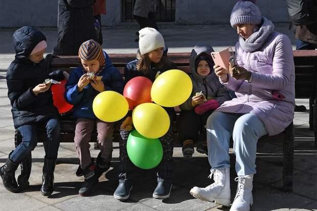Путин предложил ввести новые выплаты семьям с детьми и беременным