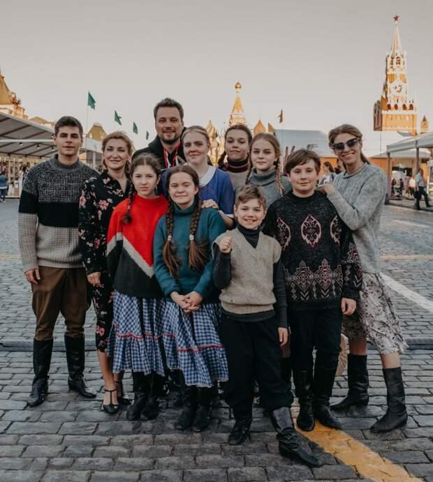 Школьники из Марьина сыграли спектакль на Красной площади