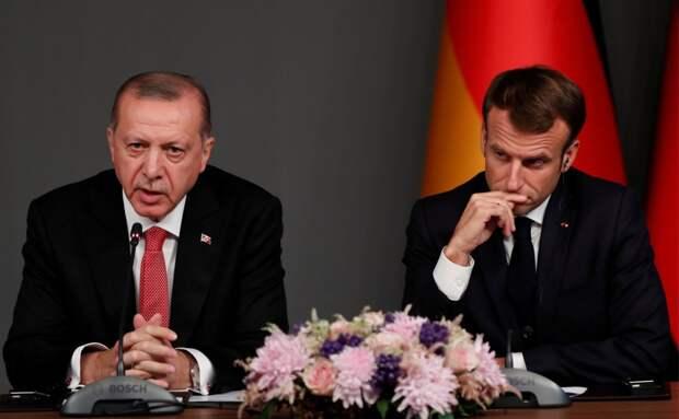 Как Макрон с Эрдоганом поссорились: отношения между Францией и Турцией резко обострились