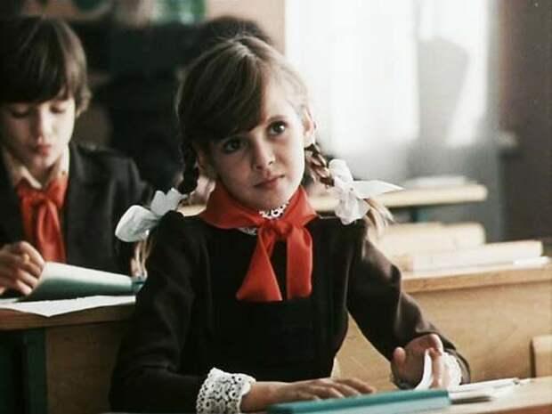 Инге Ильм во время съемок было 11 лет. Кадр из фильма «Приключения Петрова и Васечкина, обыкновенные и невероятные»