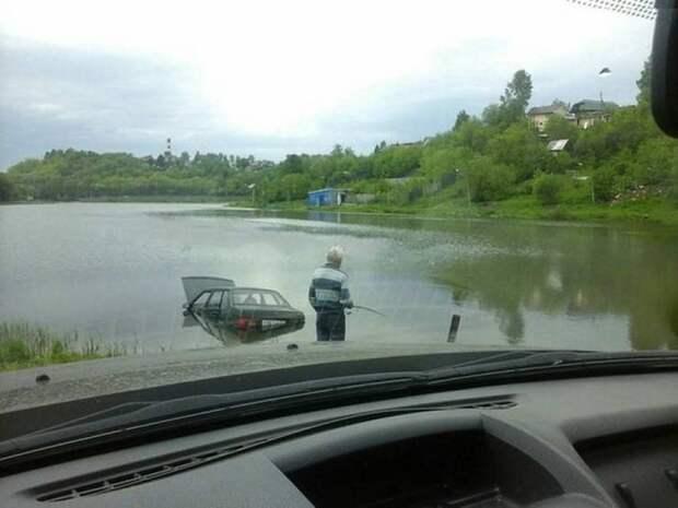 Утопленный на рыбалке автомобиль