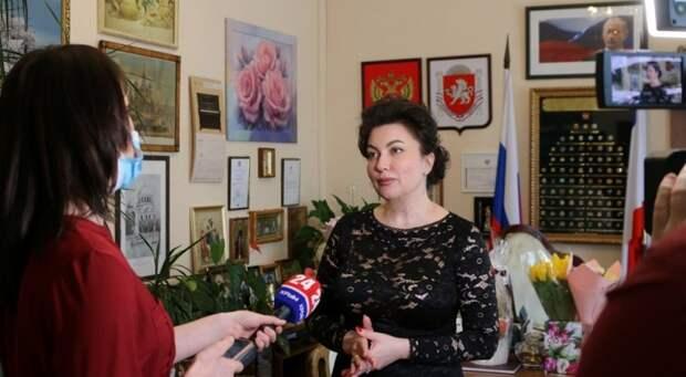 Новосельская рассказала, почему стала материться при Аксенове