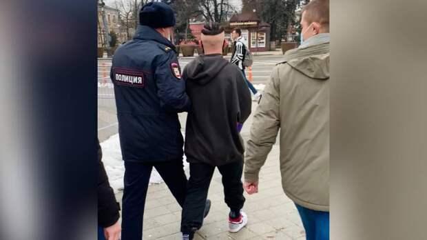 Тиктокера Даню Милохина задержали в Краснодаре во время встречи с толпой подписчиков