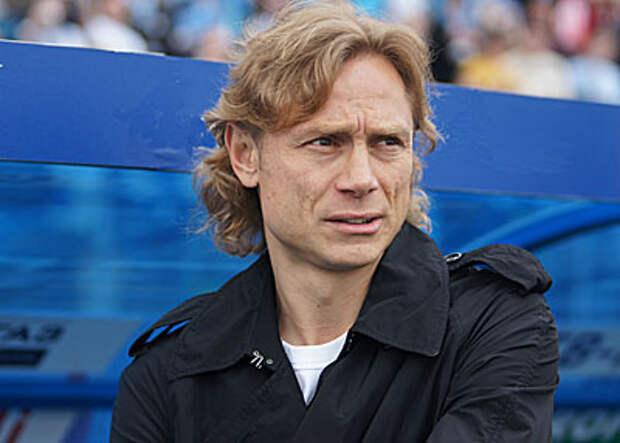 Карпин огласил окончательный состав сборной России на игры ЧМ-2022 в сентябре. И объяснил причину исключения четырех игроков