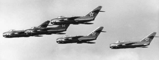 1951 год. Воздушный бой СССР - США