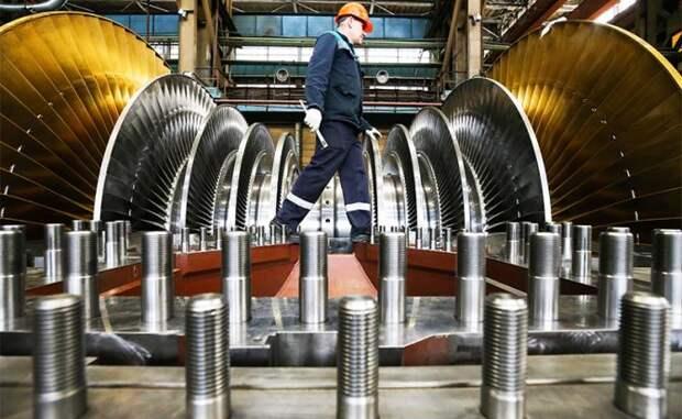 На фото: сборка паровой турбины мощностью 1200 МВт для Белорусской АЭС