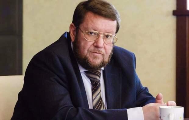 Сатановский сравнил Байдена с Черненко и предсказал развал США
