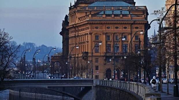 Чешский президент разочарован внесением его страны в список недругов России