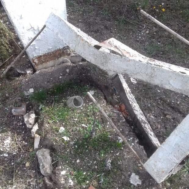 Могила Неизвестного солдата в Севастополе разбита вандалами